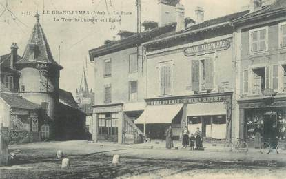 """CPA FRANCE 38 """" Le Grand Lemps, La place, la tour du château et l'église"""""""