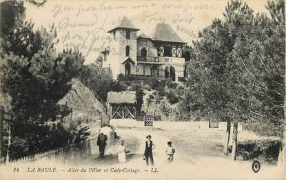 """CPA FRANCE 44 """"La Baule, Allée du Pilier et Cady Cottage"""""""