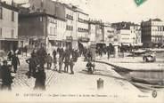 """13 Bouch Du Rhone CPA FRANCE 13 """"La Ciotat, Le Quai Louis Benet à la sortie des ouvriers"""""""