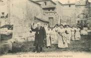 """13 Bouch Du Rhone / CPA FRANCE FRANCE 13 """"Arles, arrivée d'un groupe de provençales au fesio Vierginenco"""""""