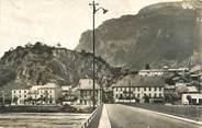 """73 Savoie CPSM FRANCE 73 """" Montmélian, Le pont sur l'Isère et le Fort"""""""