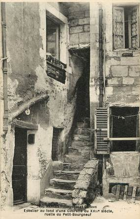 """CPA FRANCE 44 """"Nantes, Ruelle du Petit Bourgneuf"""""""