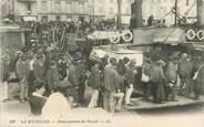 """17 Charente Maritime CPA FRANCE 17 """" La Rochelle, Embarquement des Forçats"""" /BAGNARDS"""