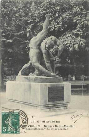 """CPA FRANCE 84 """" Avignon, Les luteurs du Square St Martial"""" / LUTTE"""