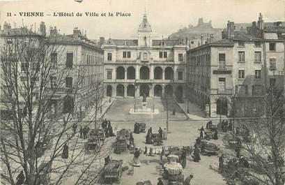 """/ CPA FRANCE 38 """"Vienne, l'hôtel de ville et la place"""""""