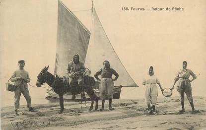 """CPA FRANCE 17 """" Fouras les Bains, Retour de Pêche"""""""