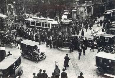 """CPSM FRANCE 75 """" Paris en 1900, La sortie des bureaux"""""""