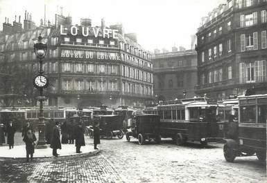 """CPSM FRANCE 75 """" Paris en 1900, Embouteillage au Palais Royal' / AUTOBUS"""