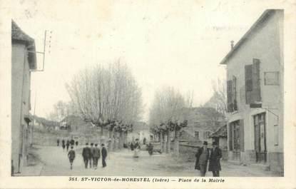 """CPA FRANCE 38 """" St Victor de Morestel, Place de la Mairie"""""""