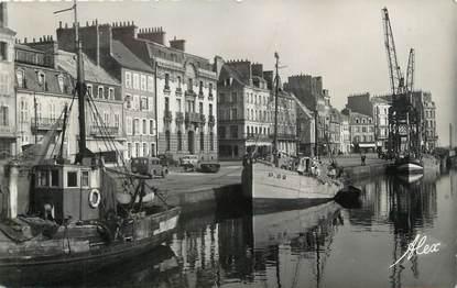 """/ CPSM FRANCE 50 """"Cherbourg, le quai Alexandre III"""""""