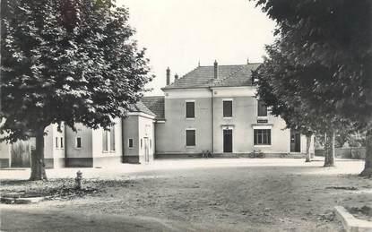 """CPSM FRANCE 38 """" Veyrins, Mairie et Champ de Mars"""""""