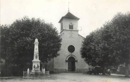 """CPSM FRANCE 38 """" Veyrins, L'église et le monument aux morts"""""""