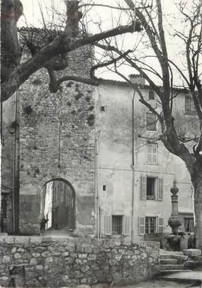 """CPSM FRANCE 83 """"Bargemon, Porte Romaine et la Fontaine de la Mairie"""""""