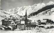 """74 Haute Savoie CPSM FRANCE 74 """" La Clusaz, Vue générale et la Chaîne des Aravis"""""""