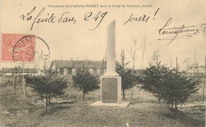 "CPA FRANCE 02 ""Camp de Sissonne, monument du capitaine Hardy"""