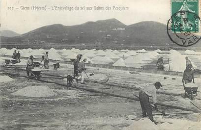 """CPA FRANCE 83 """" Giens, L'Enjavelage du sel aux Salins des Pesquiers"""""""