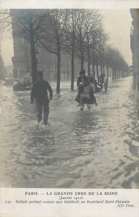 """CPA FRANCE 75 """" Paris 6ème, Soldats portant secours aux habitants du Boulevard St Germain"""" / INONDATIONS"""