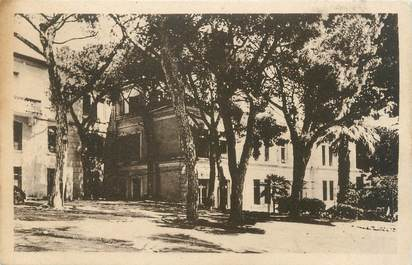 """CPA FRANCE 06 """" Cannes, Cours Maintenon"""""""