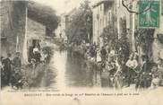 """54 Meurthe Et Moselle CPA FRANCE 54 """" Baccarat, Une corvée de lavage du 10ème Bataillon de Chasseurs à pied sur le canal"""""""