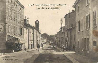 """CPA FRANCE 69 """"Belleville sur Saône, Rue de la République"""""""