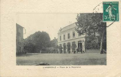 """CPA FRANCE 69 """"L'Arbresle, Place de la Madeleine"""""""