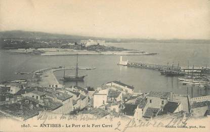 "CPA FRANCE 06 ""Antibes, Le Port et le Fort Carré"""