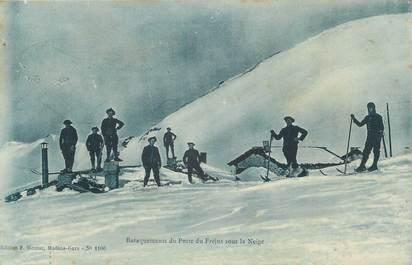 """CPA MILITAIRE """" Baraquements du Poste du Fréjus sous la neige"""" / CHASSEURS ALPINS"""