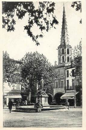 """CPSM FRANCE 11 """"Limoux, la Place de la République"""""""