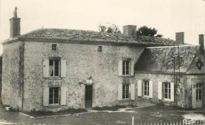 """CPSM FRANCE 85 """"Foussais, Vux, entrée du Manoir"""""""