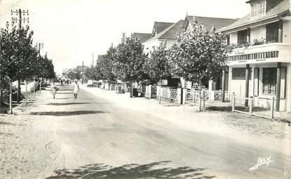 """CPSM FRANCE 85 """"Saint Jean de Monts, avenue de la plage"""""""