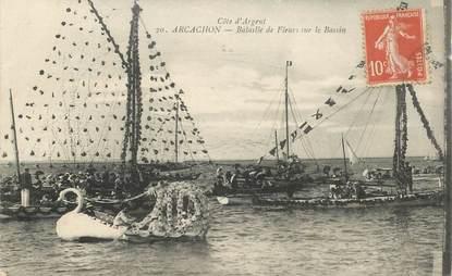 """CPA FRANCE 33 """"Arcachon, Bataille de fleurs sur le Bassin"""""""