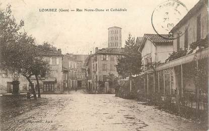 """CPA FRANCE 32 """"Lombez, rue Notre Dame et Cathédrale"""""""
