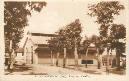 """CPA FRANCE 32 """"Vic Fezensac, Place des Volailles"""""""