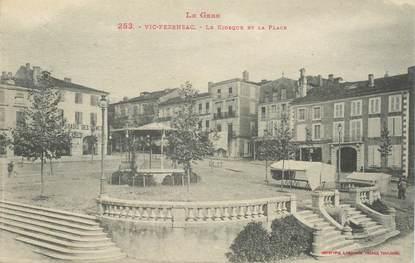 """CPA FRANCE 32 """"Vic Fezensac, place et Kiosque"""""""
