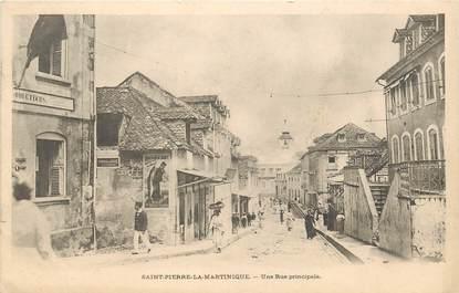 """CPA MARTINIQUE """"Saint Pierre la Martinique, la rue principale"""""""