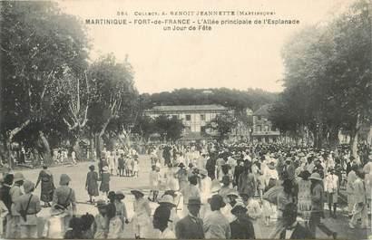 """CPA MARTINIQUE """"Fort de France, l'allée principale de l'Esplanade, un jour de fête"""""""