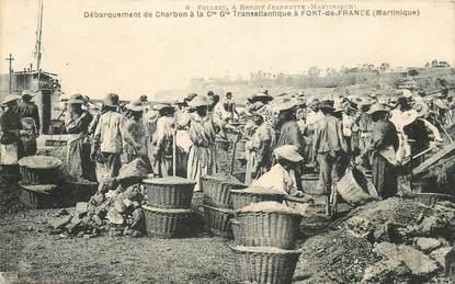 """CPA MARTINIQUE """"Fort de France, débarquement du Charbon"""""""
