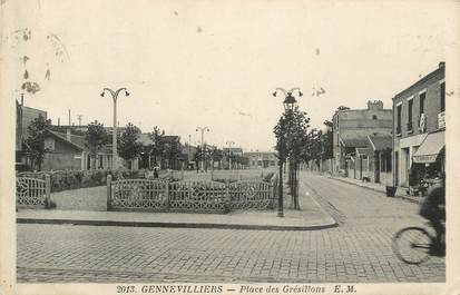 "CPA France 92 "" Gennevilliers, Place des Gresillons"""