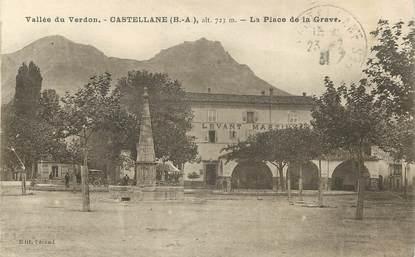 """/ CPA FRANCE 04 """"Castellane, la place de la Grave"""""""