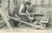 """29 Finistere CPA FRANCE 29 """"Quimper, musée départemental breton, le potier"""""""