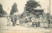 """93 Seine Saint Deni CPA FRANCE 93 """"Montreuil-sous-Bois, Marché aux Puces, Brocanteur"""""""