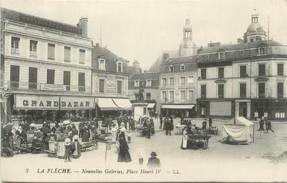 """CPA FRANCE 72 """"La Flèche, Nouvelles Galeries, Place Henri IV"""""""
