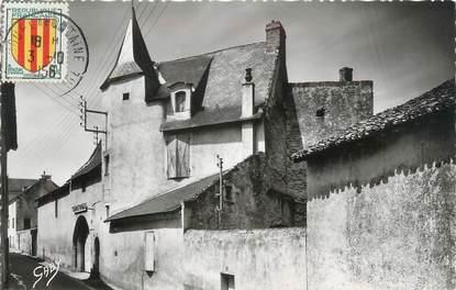 """CPSM FRANCE 49 """"Doué la Fontaine, Gendarmerie, Ancienne Dagoberderie"""""""