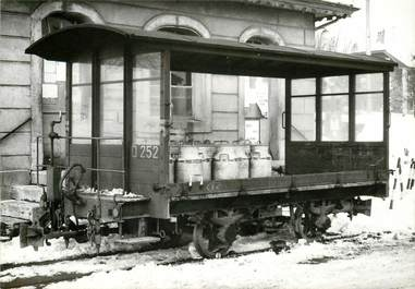 "CPSM SUISSE ""Savigny "" TRAIN / TRAMWAY"