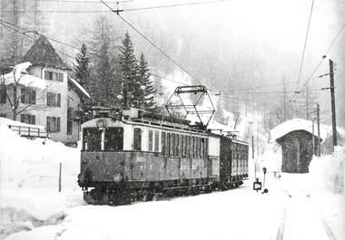 """CPSM SUISSE """"Loeche les Bains"""" TRAIN / TRAMWAY"""