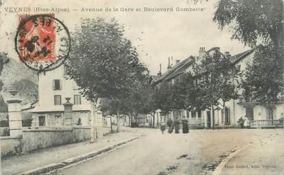 """CPA FRANCE 05 """"Veynes, Avenue de la Gare, Boulevard Gambetta"""""""