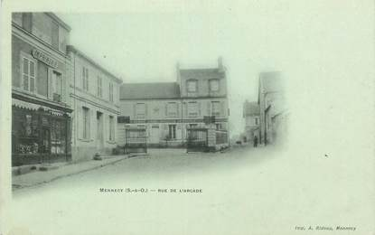 "CPA FRANCE 91 ""Mennecy, rue de l'Arcade"""