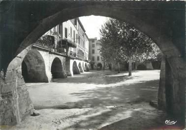 """CPSM FRANCE 30 """"Sommières, Place du Marché, Les Arceaux"""""""