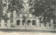 """57 Moselle CPA FRANCE 57 """"Ars sur Moselle, Place de l'Hotel de Ville"""""""