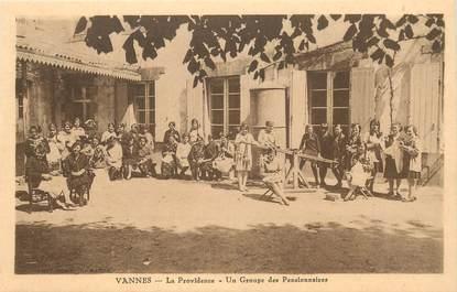 """CPA FRANCE 56 """"Vannes, La Providence, un groupe de pensionnaires"""""""